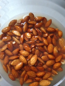 Soaking raw almonds for almond millk